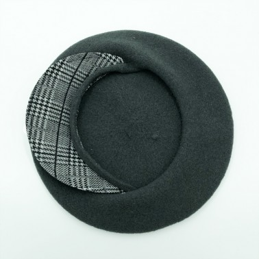 Grey cap beret with a prince of galle