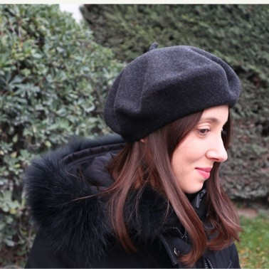 Classic Dark Heather Grey Beret Woman
